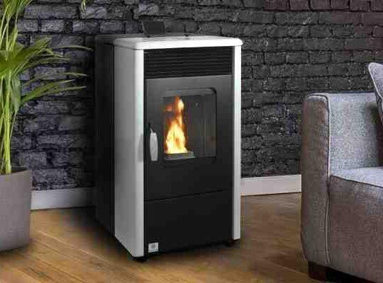 Qui chauffe le plus poêle à bois ou granulé ?